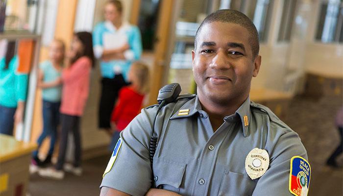 Officer700x400